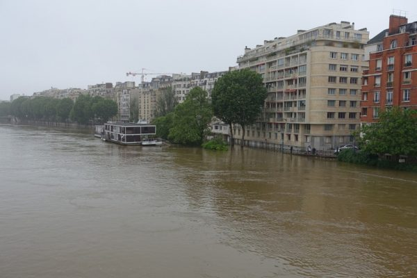 Seine river at 30 year high in Paris. Photo: Guilhem Vellut CC BY 2.0