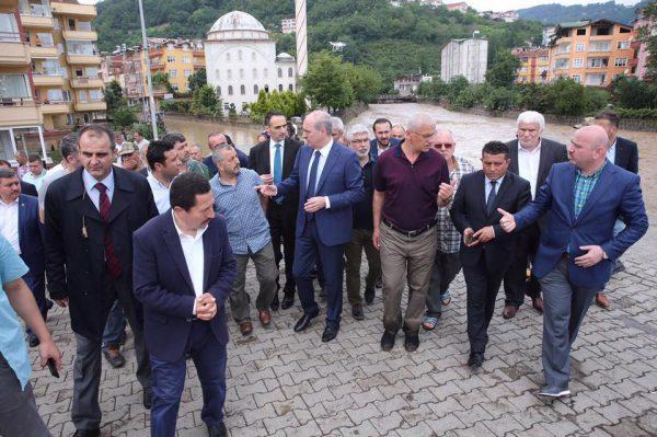 Numan Kurtulmuş, Deputy Prime Minister of the Republic of Turkey, visited the flood hit areas on 06 July. Photo: Office of the Deputy Prime Minister