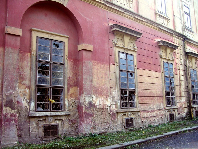 Flood damage in Prague, 2006. Photo: Courtney Powell / Flickr https://www.flickr.com/photos/thecnote/ https://creativecommons.org/licenses/by-nc-nd/2.0/ CC BY-NC-ND 2.0