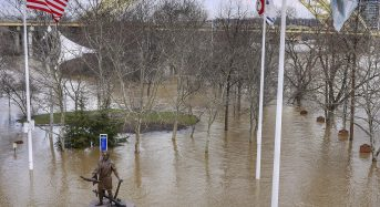 USA – 6 Dead as Flooding in Central and Southern States Worsens