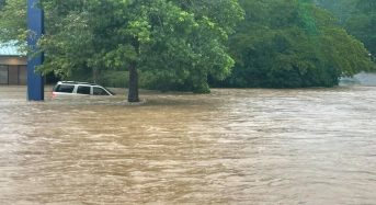 USA – Flash Floods Cause Chaos in Alabama