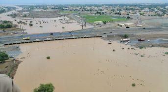 Oman – Floods After 200mm of Rain Leave 4 Dead, Dozens Rescued