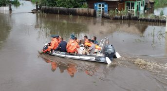 Russia – Thousands Evacuate Floods in Far East