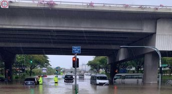 Singapore – Roads Swamped, Cars Stranded After 114mm of Rain